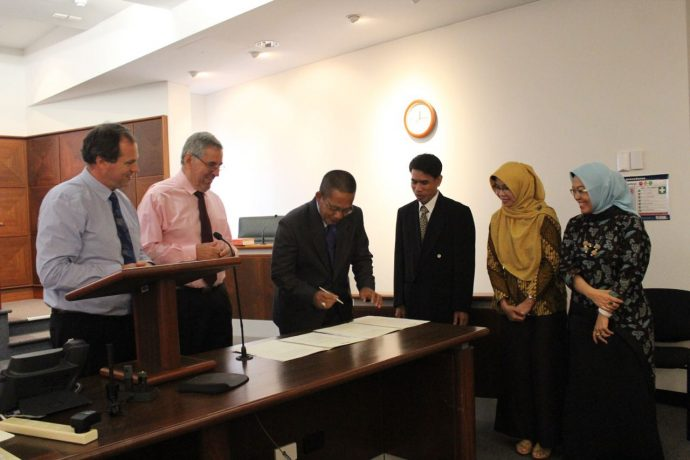 The Cooperation between Law Faculty of Jambi University with Charles Darwin University