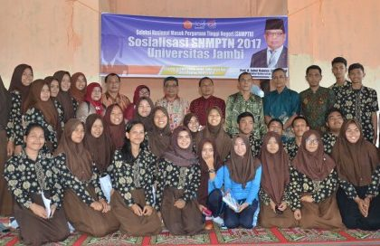 Rektor Tutup Rangkaian Sosialisasi SNMPTN 2017 di SMAN 8 Kota Jambi