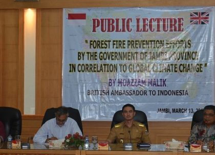 British Ambassador Gave a Public Lecture at UNJA
