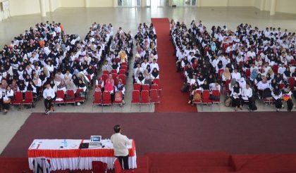 BEKALI MAHASISWA, UPT PPL  GELAR MICROTEACHING