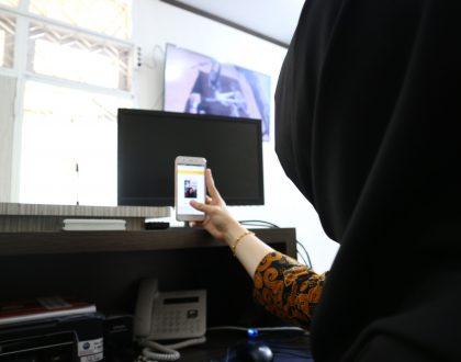 PRESENSI VIA ANDROID SMARTPHONE, ALTERNATIF UNTUK PRESENSI SELAIN DI KOMPUTER