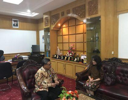 TINGKATKAN KERJASAMA, GARUDA INDONESIA BRANCH OFFICE JAMBI KUNJUNGI UNJA