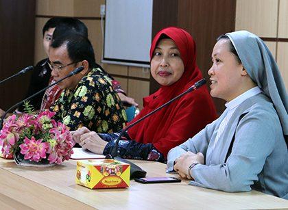 UPT LAYANAN INTERNASIONAL SELENGGARAKAN SEA TEACHER PROJECT 2019